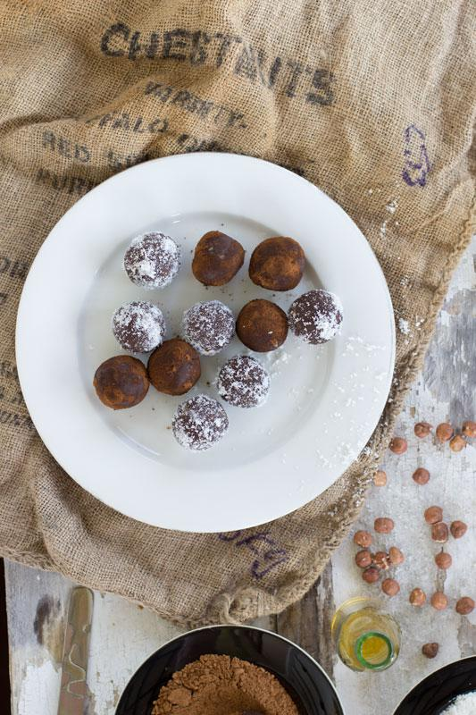 how to make hazelnut protein balls