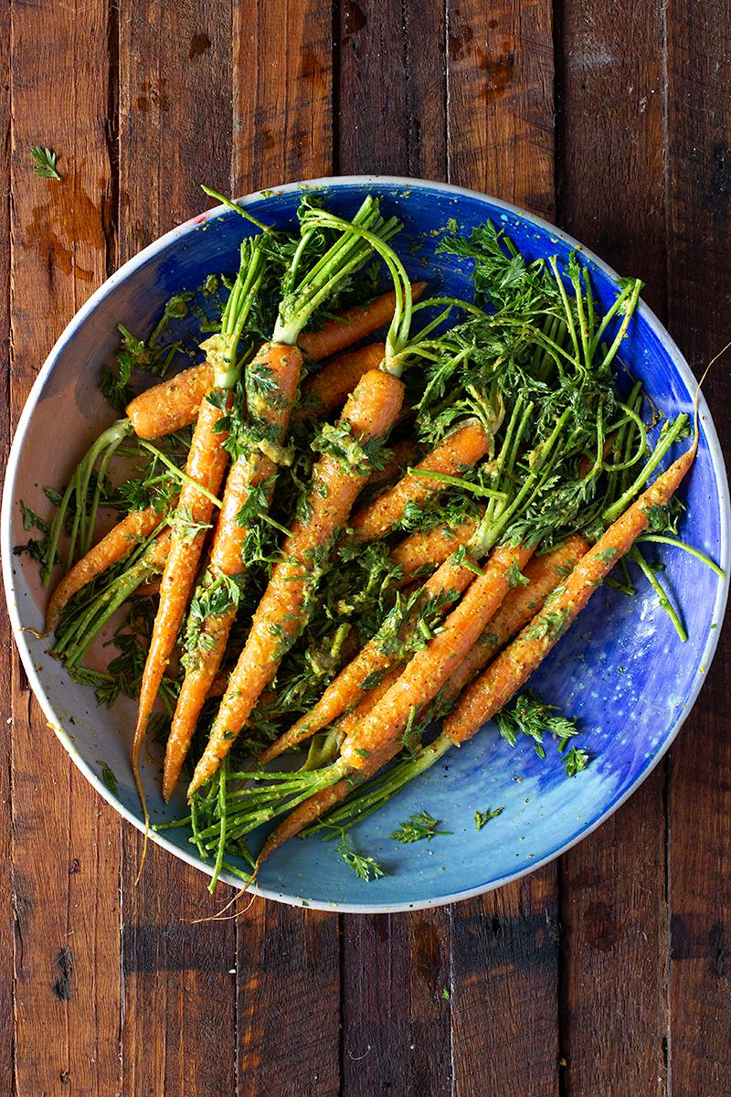 mustard & honey roasted carrots w carrot tops | jessica cox
