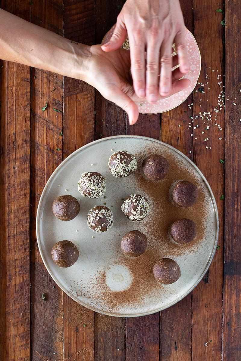 jessica cox | ginger caramel protein balls